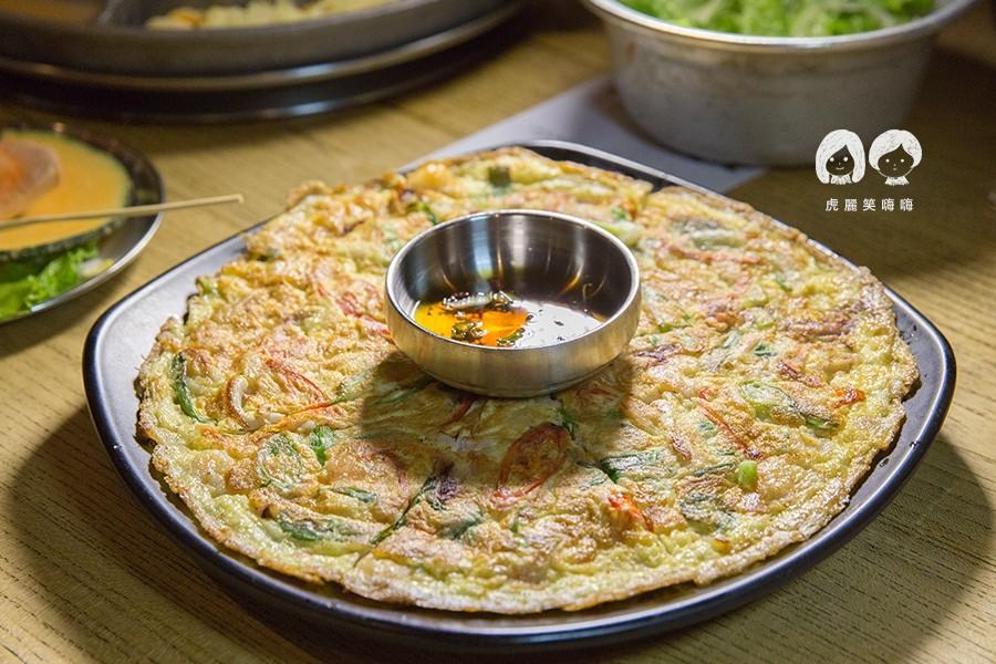 姜虎東678白丁烤肉 高雄 鳳山 韓式 海鮮蔥餅NTD255
