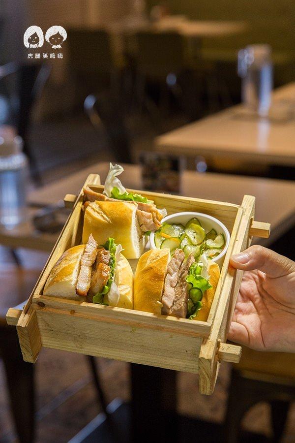小湯匙越式料理 高雄 越南烤豬法式包