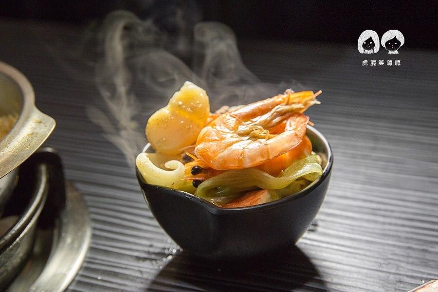 五鮮級平價鍋物 高雄火鍋店 海鮮總匯 NTD180
