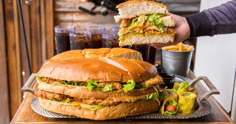 WOW 哇唬漢堡工廠 屏東 美式餐廳 塔塔脆皮雞腿堡 NT$2500
