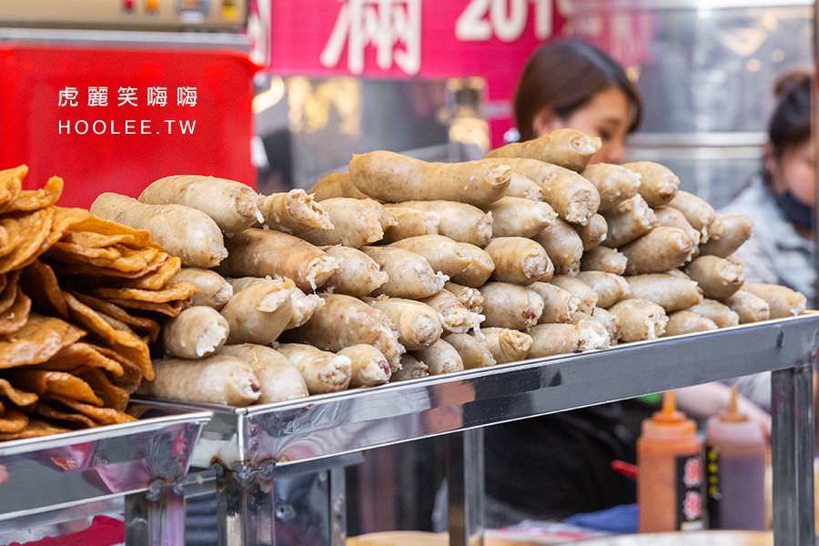 新樂街市集 韓總 手工大腸 嘉義黑香腸 這攤滿滿的關東煮可以挑選,大腸是使用傳統的豬大腸去灌,看起來特別好吃