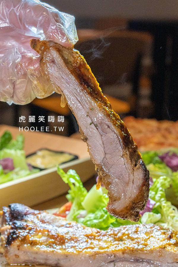 食光餐酒館 高雄宵夜推薦 特製香烤豬肋排(28盎司) 400元
