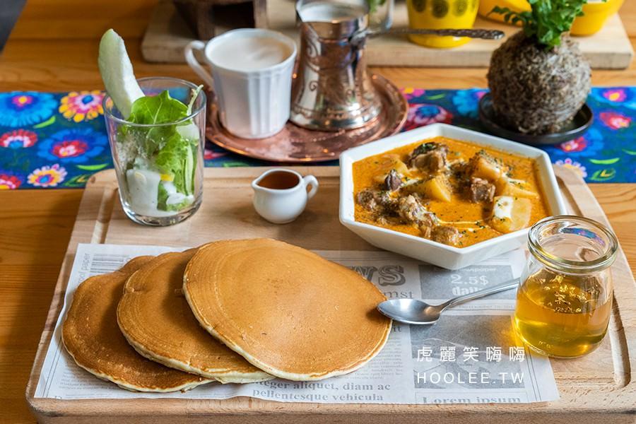 烏拉森林歐式咖啡鬆餅屋 高雄聚餐推薦 布魯克林鬆餅(原味) + 1料理 + 1附餐飲料 240元(升級飲料折40元)