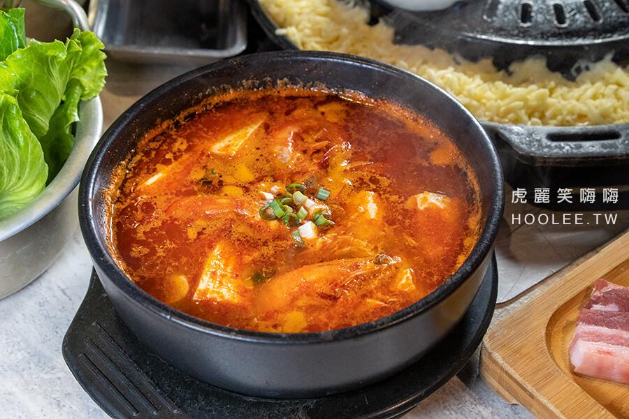 I'm Gogi 我是肉 高雄韓式燒肉推薦 鼓山區 我是牛豬套餐 1138元 海鮮鍋/大醬鍋(選一) +70元升級為「海鮮辣豆腐鍋」