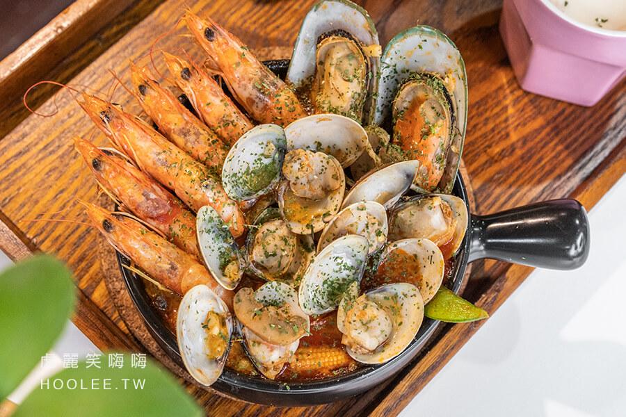 朵映花花世界 高雄寵物餐廳推薦 鳳山美食 泰式鮮蝦煲 280元 附濃湯+麵包 含淡菜、蛤蠣、多利魚、蝦子、冬粉