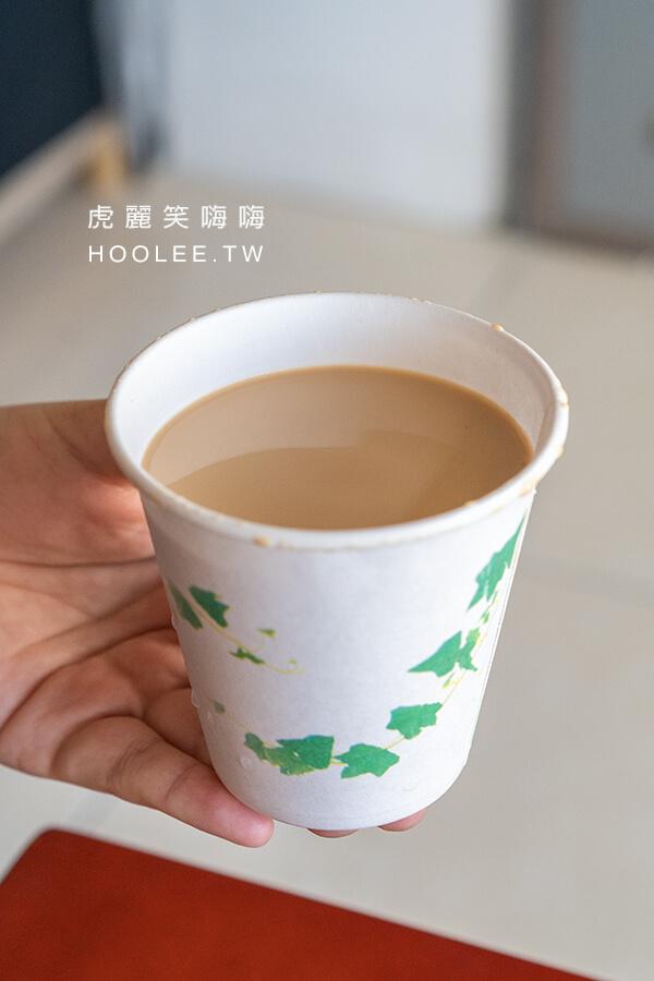 許記蒸餃 高雄蒸餃推薦 老店小吃 三民區 皇家奶茶 30元/杯、90元/瓶